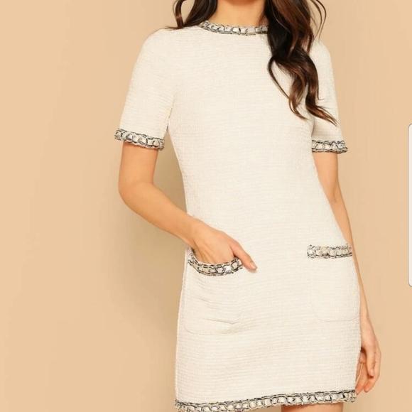 White-off Dress back zip contrast trim